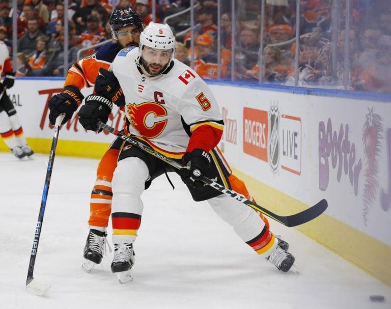 Flames defensemen Mark Giordano