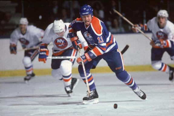 Mark Messier of the Edmonton Oilers