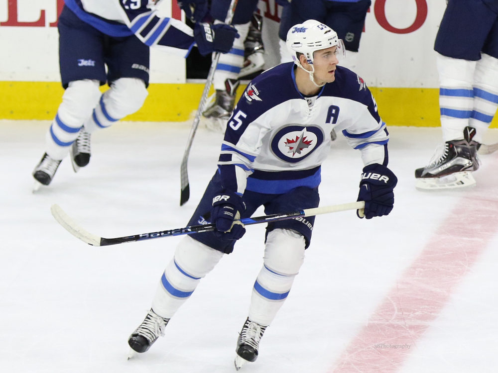 Winnipeg Jets Get First Taste Of Adversity With Mark Scheifele Injury