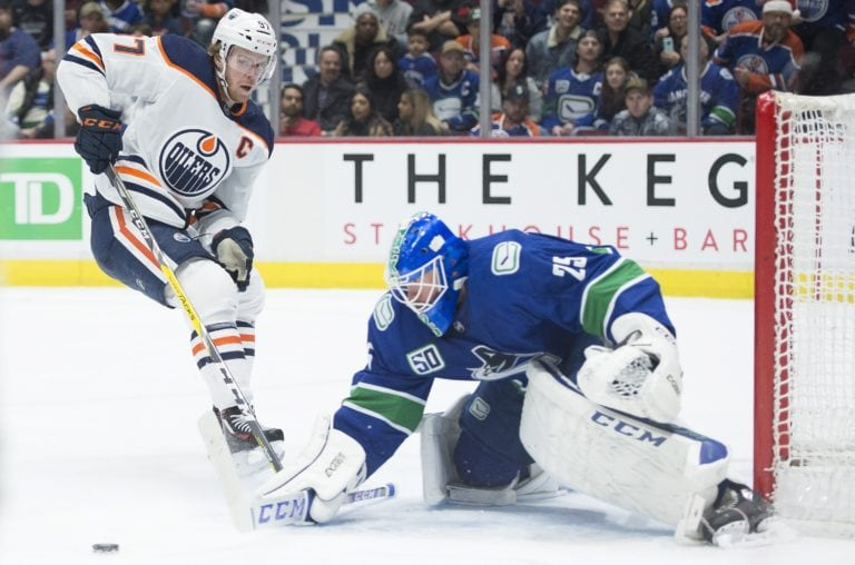 Edmonton Oilers Connor McDavid Vancouver Canucks Jacob Markstrom