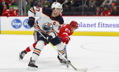 Oilers' McDavid Named First Star of the Month for November