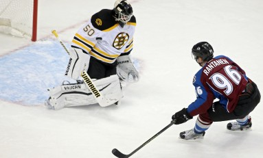 Bruins Could Snag Four Points From Avalanche