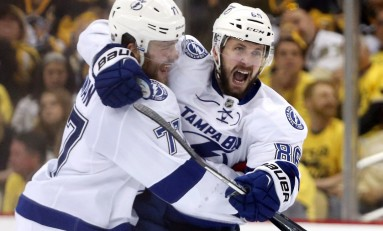 Hedman Scores Late Power-Play Goal, Lightning Top Penguins
