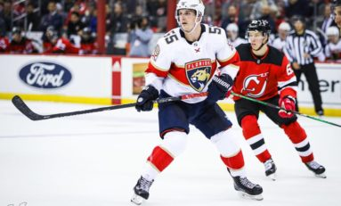 Acciari, Bobrovsky Lift Panthers Over Canucks 5-2