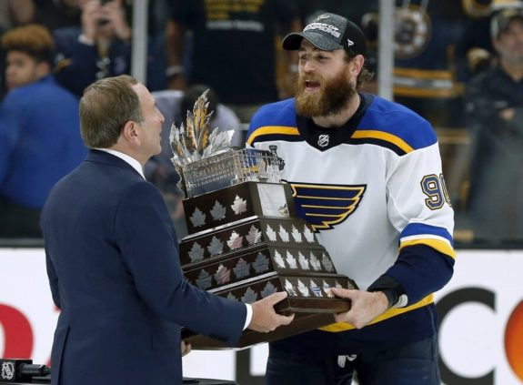 Gary Bettman Ryan O'Reilly Conn Smythe Trophy