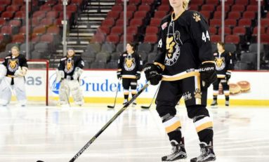 Pride's Harrington Talks Hockey for Taller Kids