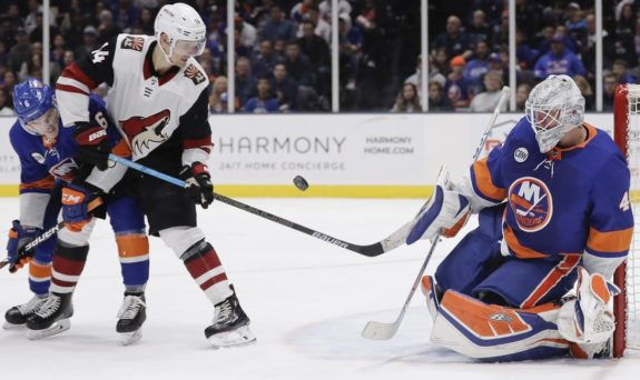 Arizona Coyotes' Richard Panik New York Islanders Robin Lehner