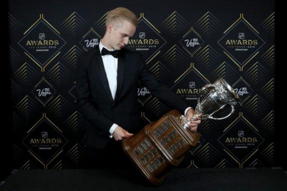 Elias Pettersson Vancouver Canucks Calder