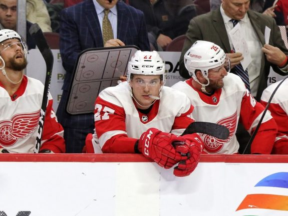 Michael Rasmussen Red Wings bench