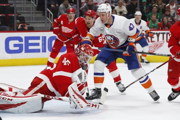Detroit Red Wings Jonathan Bernier New York Islanders Leo Komarov