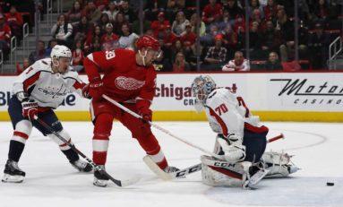 Mantha, Rasmussen Help Red Wings Beat Blues