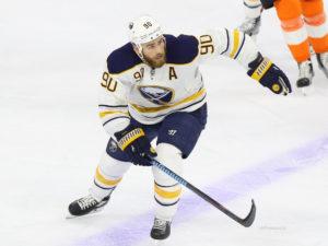 Ryan O'Reilly , Philadelphia Flyers vs Buffalo Sabres - October 25, 2016 (Amy Irvin / The Hockey Writers)