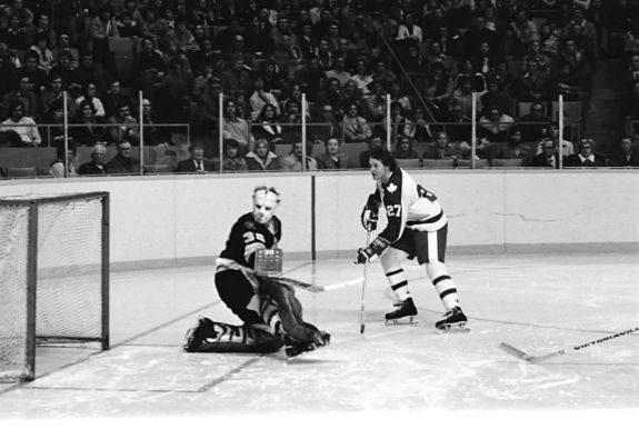 Toronto Maple Leafs Darryl Sittler Boston Bruins Dave Reece