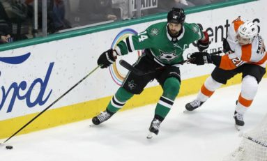 Stars Dominate Flyers - Clinch Playoff Berth