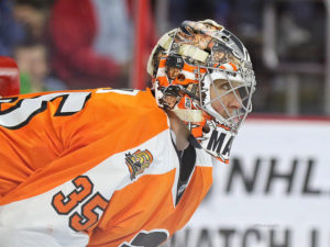 Steve Mason has has grabbed the reigns of the Flyers crease since Michal Neuvirth went down due to injury. (Amy Irvin / The Hockey Writers)