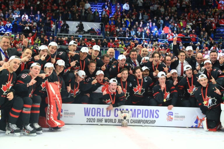Canadian players coaching staff WJC 2020