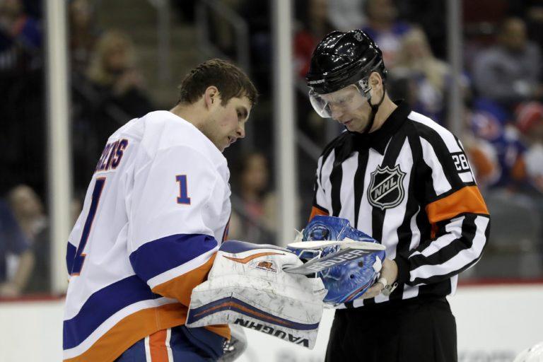 New York Islanders Thomas Greiss referee Chris Lee