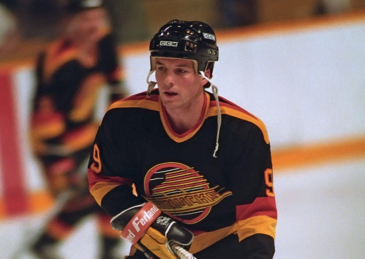 Tony Tanti Vancouver Canucks