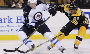 Tyler Myers Signs With Vancouver Canucks