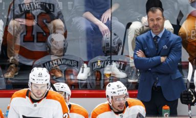 Flyers' Vigneault Plays Big Role in Team Turnaround