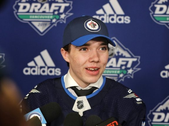Jets Sign Ville Heinola to Entry-Level Contract