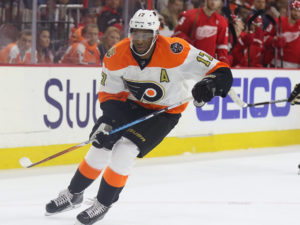 Simmonds has had the best start of his career statistically leading the Flyers in goals (13) & points (24) in the young season. (Amy Irvin / The Hockey Writers)