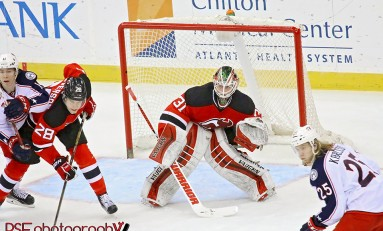 Scott Wedgewood Wins NHL Debut with Devils