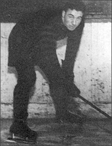 Toe Blake with the Hamilton Tigers. (HHOF)