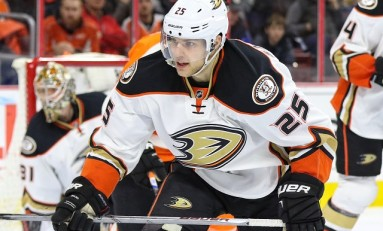 Mike Santorelli Signs Contract in Switzerland: Report