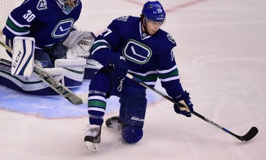Canucks Lose Ben Hutton for 2 Weeks