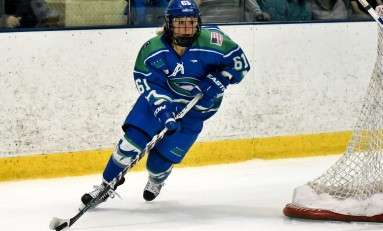 Kelli Stack Re-Signs With the Whale