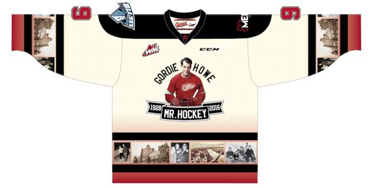 Gordie Howe, Saskatoon Blades