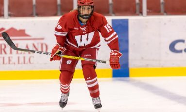 Badgers Are the Team to Beat in Women's Hockey