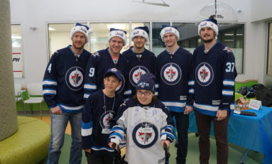 Jets Spread Holiday Cheer at Children's Hospital