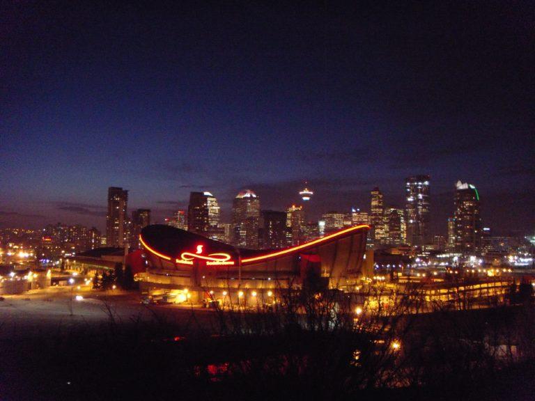 Calgary skyline (JMacPherson - Flickr via Wikimedia Commons)