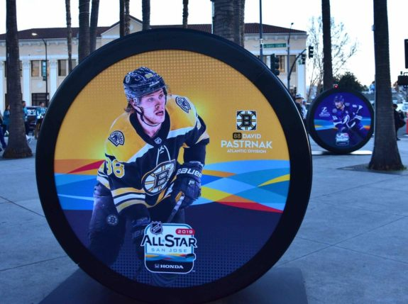 Pastrnak player puck